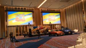 Nolimit Motorized Roll Up Video Projection Screens
