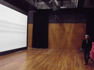 Nolimit Motorised Roll Up Screen Theater