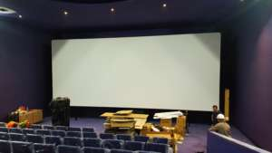 Installation Multivision Cinema Screens 5